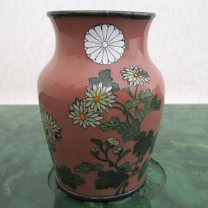 菊御紋入七宝花瓶
