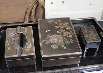 宮本商行 銀製内紫檀杢 金工牡丹文煙草道具