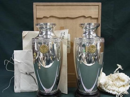大正天皇下賜品 菊花紋純銀製花瓶