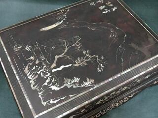 朝鮮工芸実習所謹製 螺鈿山水画賛 硯箱